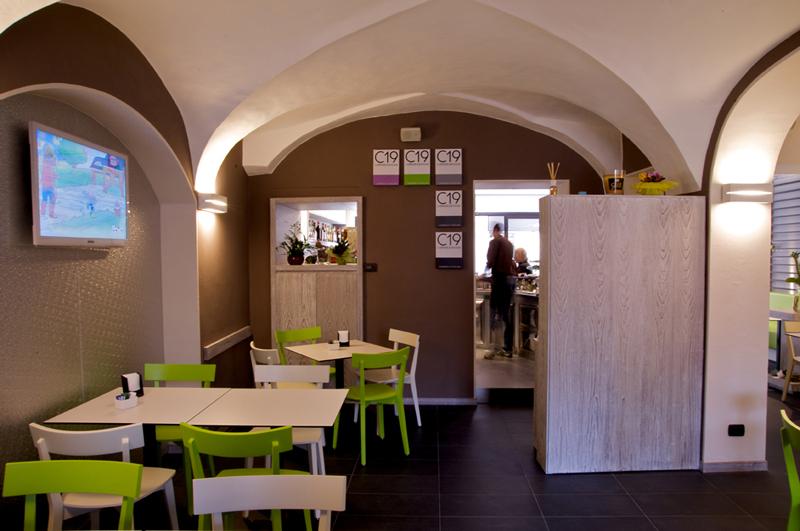Caff 19 borgosesia vc for Arredamento bar e ristoranti
