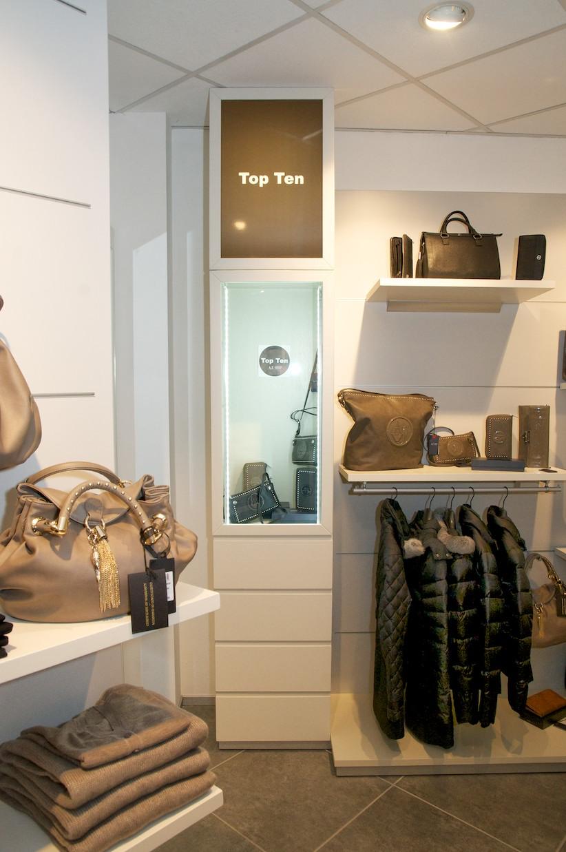 Terdesign arredamento negozi shop design for Negozi design