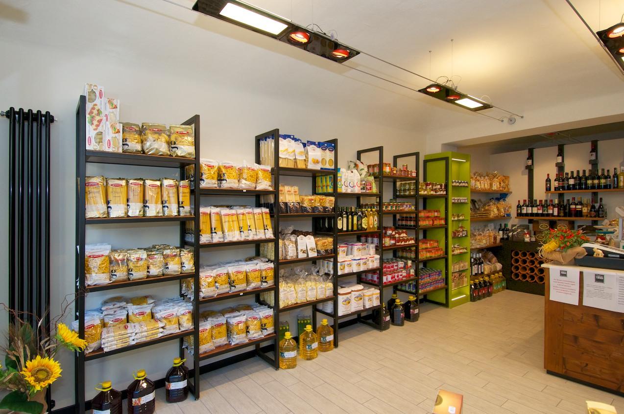 Terdesign progetto alimentari matera 1955 a borgosesia for Arredamento negozi