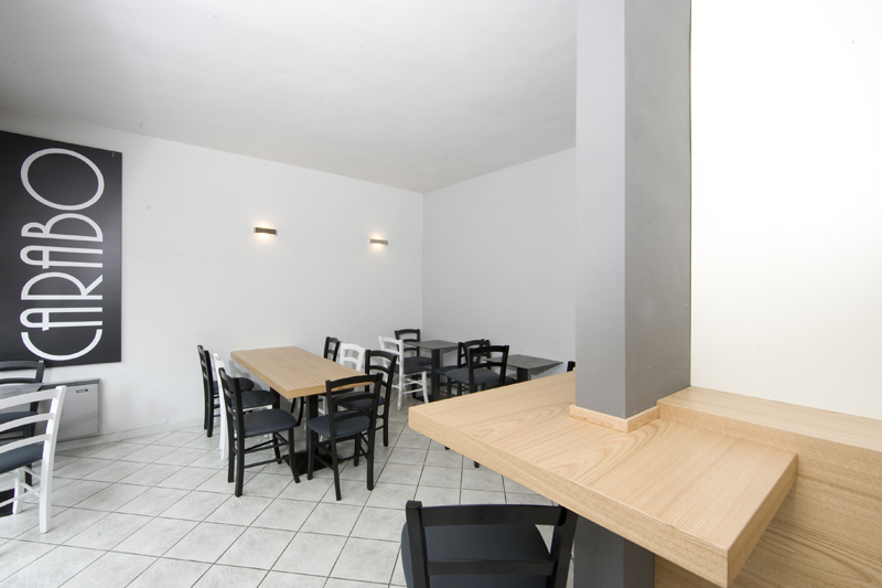 Caff carabo ponzone bi for Tavoli design low cost