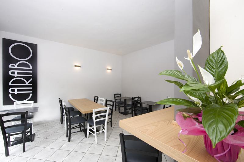 Progettazione arredamento e allestimento caff carabo ponzone - Tavoli design low cost ...