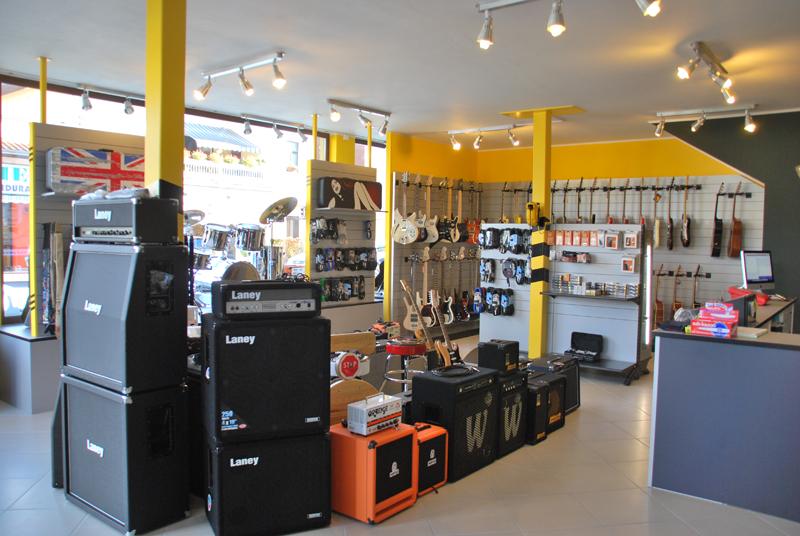 Progettazione e allestimento del negozio di strumenti tacabanda